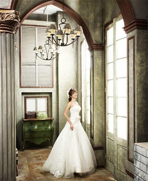 青岛圣罗尼亚婚纱摄影:爱她就给她最好的