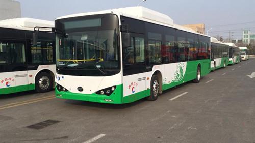 青岛巴士隧道线路将更换40辆最新型纯电动公交车  驾驶室设有可升降玻璃门
