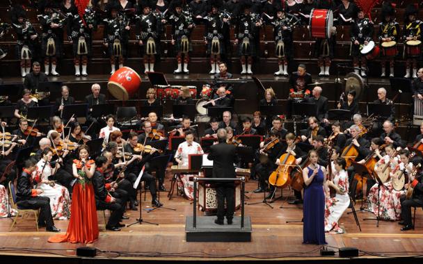 青岛市歌剧舞剧院民族乐团携手苏格兰当地演出团体 奏响中西合璧的音乐盛宴