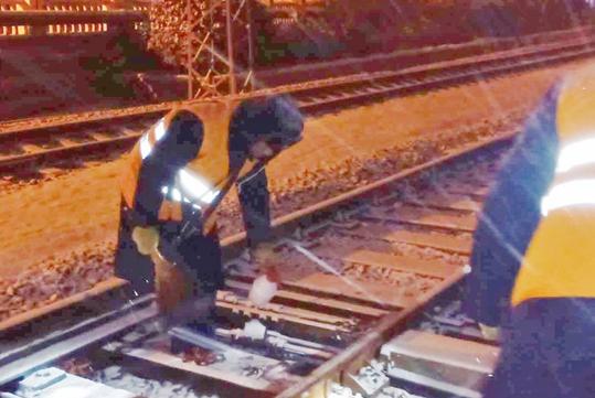 青岛火车站及时启动应急预案 降雪未对铁路出行造成影响