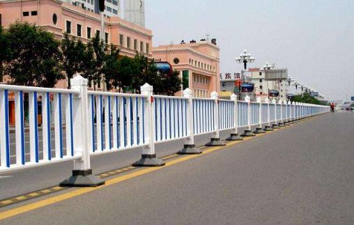青岛祥瑞庆金属为您解答交通护栏的功能及发展趋势