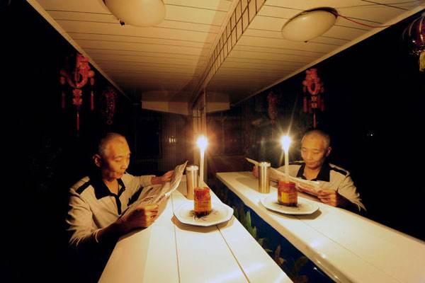 养老院停电数天老人们两眼摸黑 生活不便
