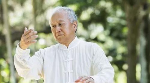 老人养生保健需注意三大要素:壮骨健脑保血管