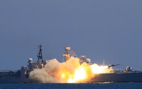 中国海军在黄渤海相关海空域组织实弹实兵对抗演习