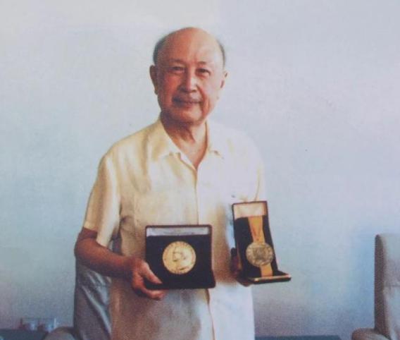 """纪念钱学森诞辰107周年:一组珍贵照片回忆""""中国导弹之父""""的非凡人生"""