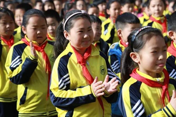青岛大路小学开展师德师风建设月活动:寓教育的爱于爱的教育之中