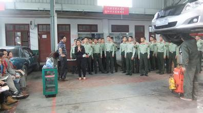 全国第一家军地两用人才市场在青岛正式启用