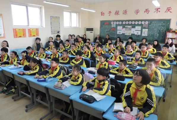 记大路小学家长开放日:时值春暖花正开 大路教育放异彩 面向社会展新姿