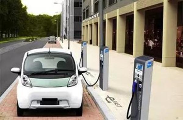 中国新能源汽车销售世界第一,2017年降低补贴幅度
