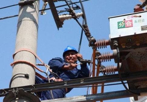 """青岛电网采取一系列措施 圆满完成电力""""迎峰度夏""""任务"""