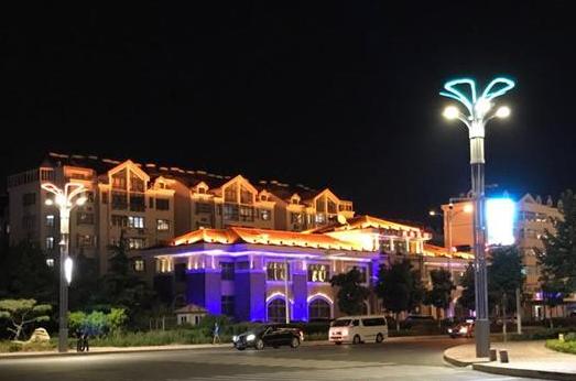 高科技:青岛城阳区建成山东省内第一条5G智慧灯杆示范路