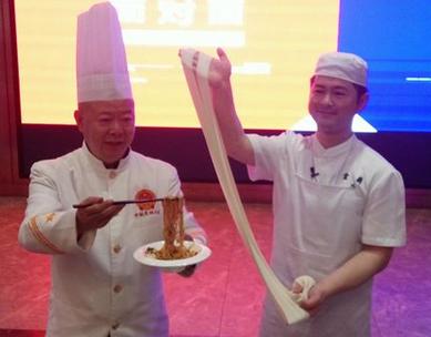 兰州牛肉面vs重庆小面 你更爱哪一个?