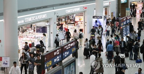"""韩媒:""""萨德""""问题长期化令中国游客锐减 韩商家处境艰难"""