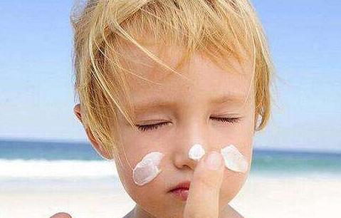 只有夏天需要防晒?快来戳破这5个防晒谣言