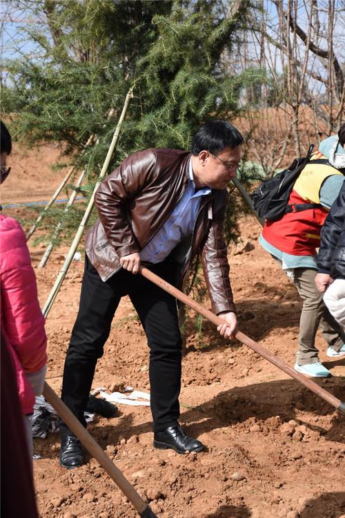青州市中小企业商会参与植树节活动