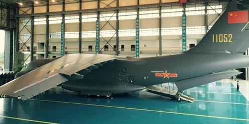 我国自主研发的运-20大型运输机今天正式列装空军航空兵部队