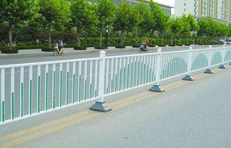 青岛祥瑞庆金属为您解答铝合金道路护栏的四大功能和五大特性