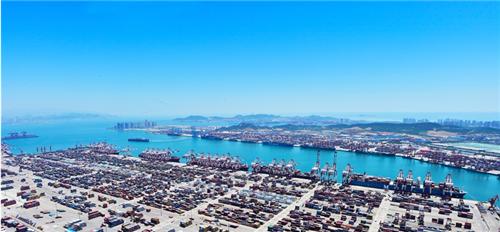 青岛港陆海联手物流贸易频繁  对上合组织成员国海运年出口约50万标准箱