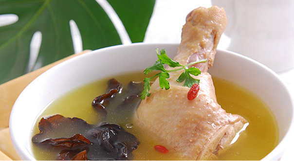 刘军鹏原生态散养土鸡:天赐美味 专注每只鸡的品质