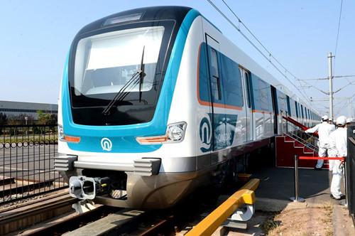 青岛地铁8号线施工新进展:列车安全穿越一级风险源