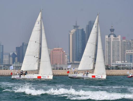 """2017年""""远东杯""""国际帆船拉力赛8支参赛队伍正式从青岛杨帆起航"""