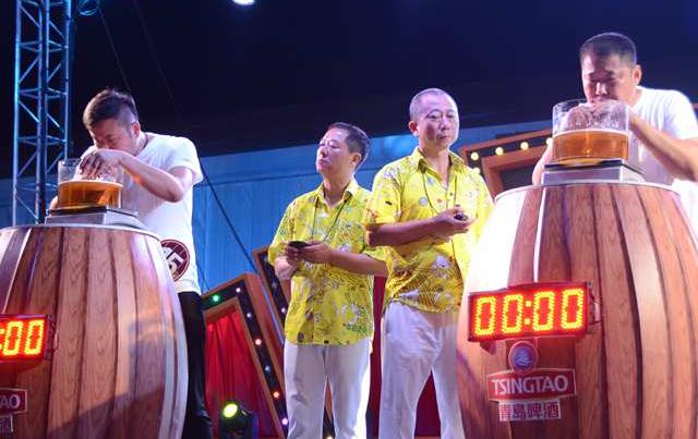 来自国内外的20位酒王在青岛展开角逐 任光超卫冕七冠王