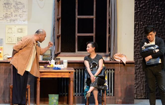 青岛市话剧院原创话剧《家有遗产》走进国家大剧院