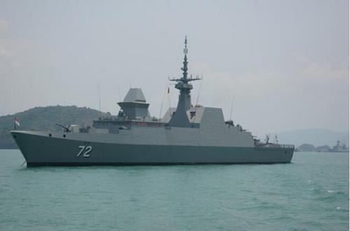 新加坡护卫舰已率先抵达青岛 中国海军70周年庆典即将启幕