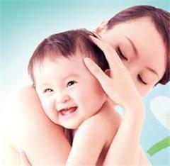 宝宝喝母乳好处多 选购物品让哺喂更容易