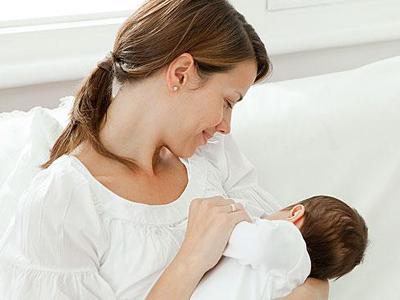 母乳喂养宝宝会影响身材吗?明星妈妈坚持母乳喂养