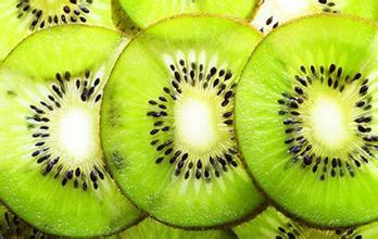 女性长期把水果当正餐,易患贫血症