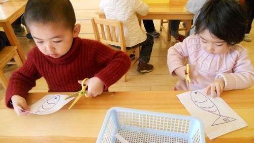 学会几个手指运动 开发宝宝智力
