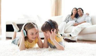 """父母的五种言行习惯会""""污染""""孩子"""