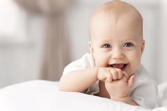吃香蕉可以让宝宝的心情变好 还可以起到健脑的作用