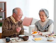 老年人为什么会口臭?如何预调