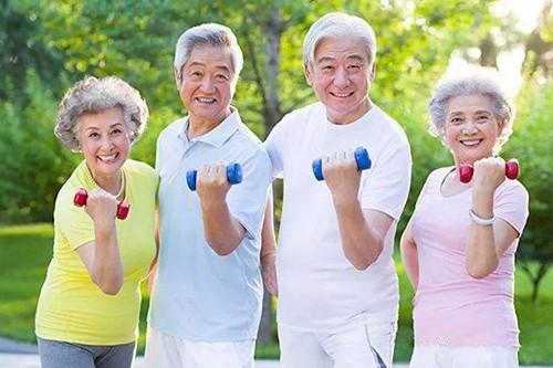 老年人如何保护自己的腰部?这里有腰部骨折的日常保健方法