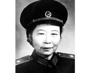 从童养媳到开国将军,82岁老人用她的一生诠释什么是真正的