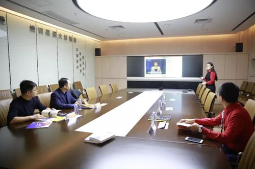 青岛市即墨区工商联领导一行到单仁资讯集团总部参观考察