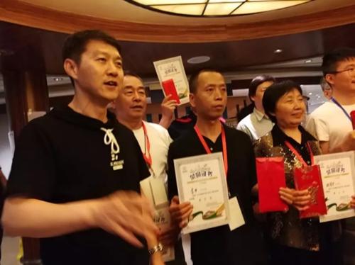 青岛麻将运动协会派出选手参加国标麻将赛和四川麻将赛