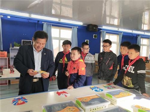 青岛市市北区科学技术协会一行到学校和社区进行科普调研工作