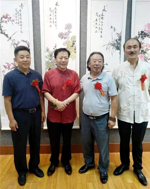 青岛市楹联艺术家协会举办庆祝中华人民共和国成立70周年楹联书画展