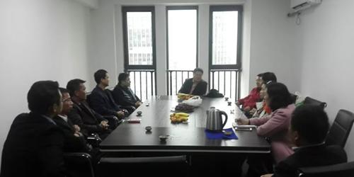 青岛市河南商会组织部分会员召开交流座谈会